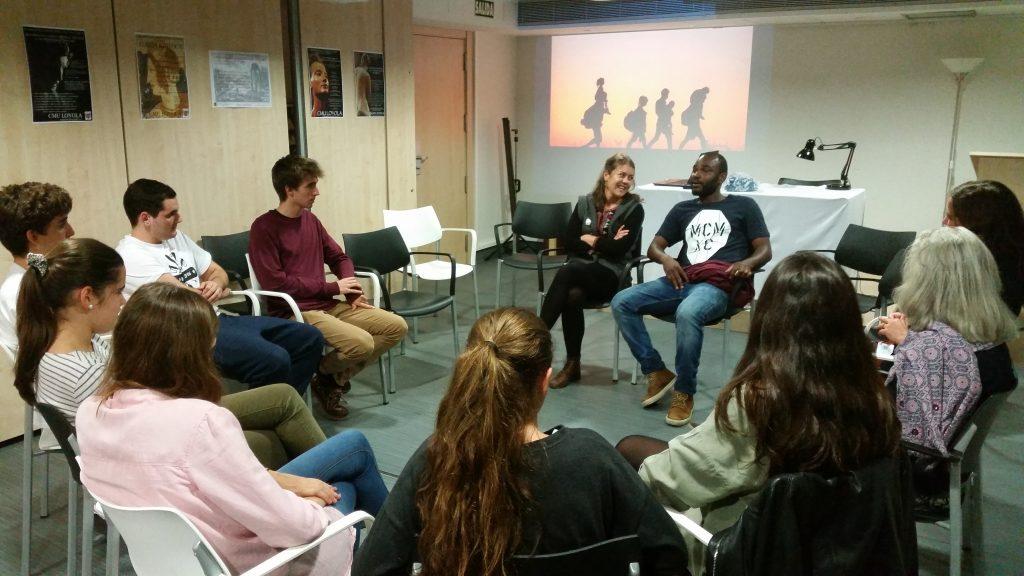 charla-joseph-clausura-expo-somos-migrantes